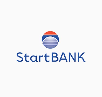 Firkantet logo til StartBANK med logoikon over bedriftsnavnet og hvit bakgrunn